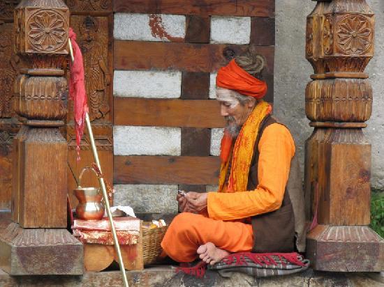 vashisht-village-holyman