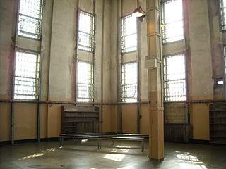 320px-alcatraz_-_prison_library_4409977620