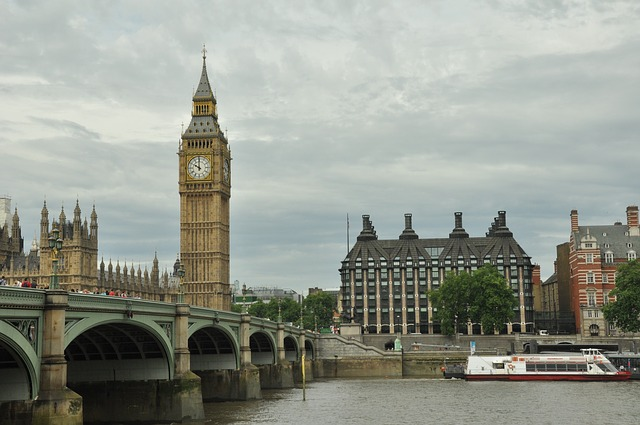 big-ben-elizabeth-tower-london-uk-united-kingdom